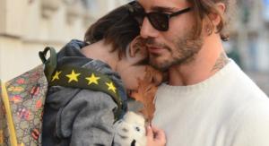 Stefano De Martino con il figlio Santiago