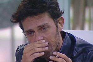 Raffaello Tonon Scoppia in Lacrime. Luca è un Vero Amico.