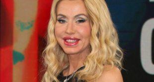 Valeria Marini Arriverà sull'Isola dei Famosi - Sarà Guerra con la Cipriani.