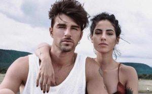 Andrea Damante e Giulia De Lellis - Beccati Seminudi ad Amoreggiare in Barca.